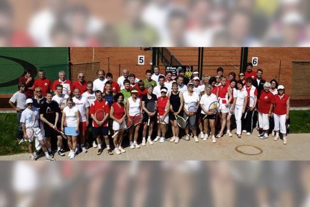 Tennisclub startete in die Freiluftsaison