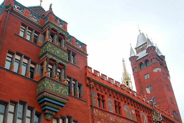 Basler Rathausfassade bekommt ein Facelifting