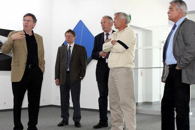 Edle Weine und eine Ausstellung mit Werken von Salvador Dali