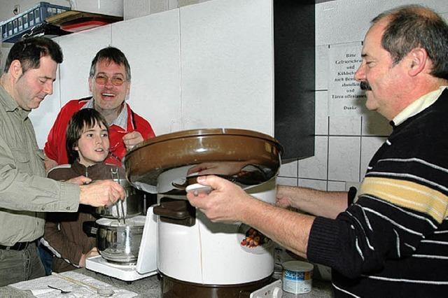 Die Männer kochen diesmal Spargel