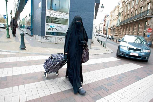 Belgien schiebt Burka-Verbot an
