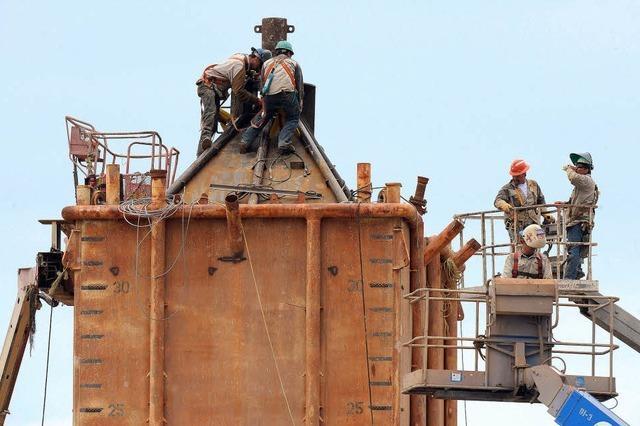 Metallkuppel soll das Ölleck abdichten