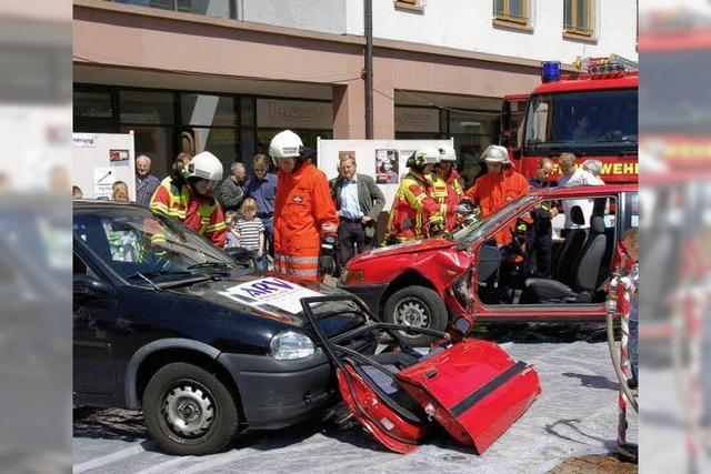 Feuerwehr und Sanitäter zum Anfassen