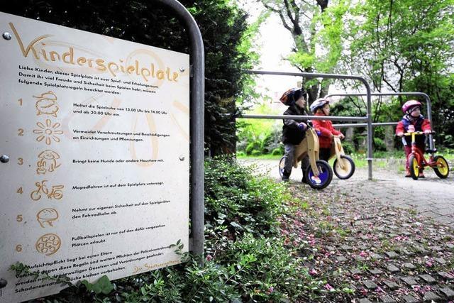 Spielplätze: Für Kinder mit körperlicher Behinderung wird wenig geboten