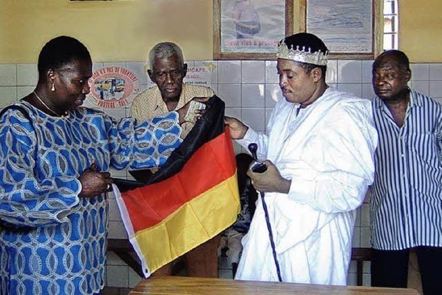 Golfen für Poliklinik in Westafrika