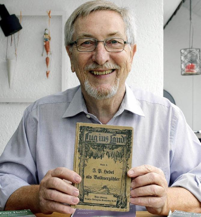 Der Offenburger Hebel-Experte Bernd Grether stammt aus Hebels  Heimat.   | Foto: Ralf Burgmaier