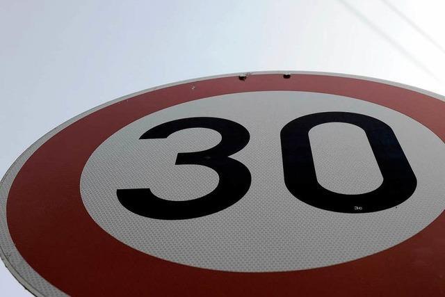 Tempo 30: Regierungspräsidium stimmt Freiburger Vorhaben zu