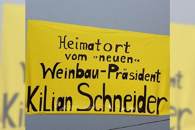 RHEINGEFLÜSTER: Kilian Schneider braucht viel Unterstützung
