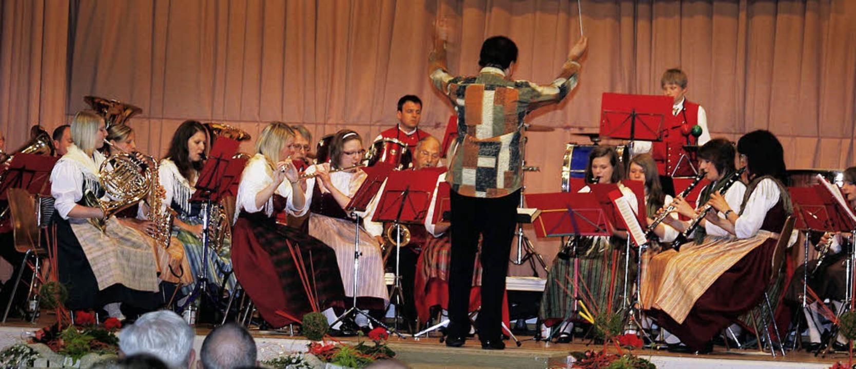 Der Musikverein Trachtenkapelle Dörlinbach beim Frühjahrskonzert.   | Foto: Heidi Fössel