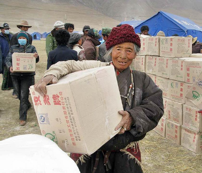 Nahrungsmittel und Medikamente werden ... Yushu noch immer dringend gebraucht.   | Foto: Wetzel/Caritas