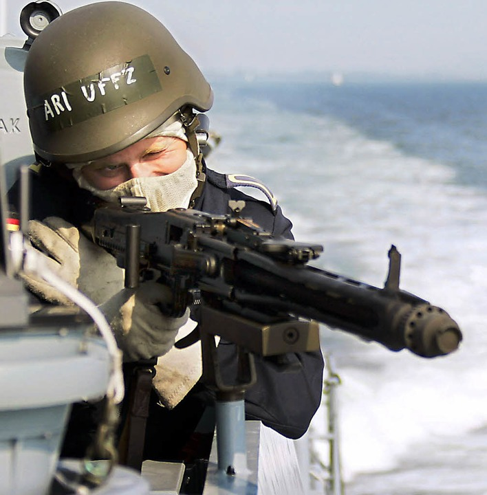 Schon lange kein Ladenhüter mehr: das Maschinengewehr    Foto: dpa