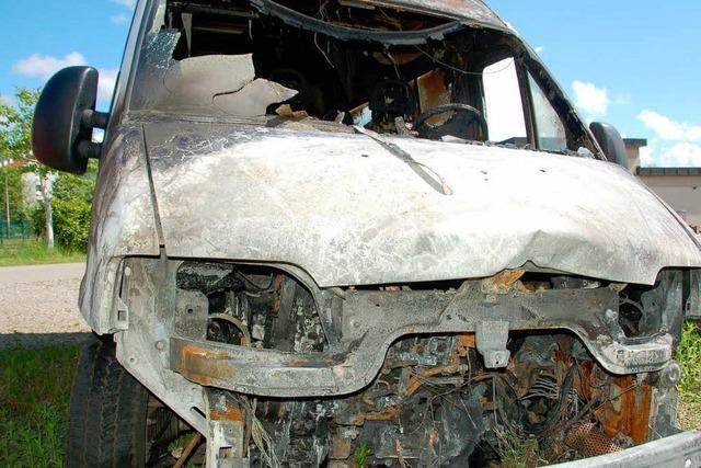 Anschlag auf Jugendhaus-Bus – Polizei sucht Täter