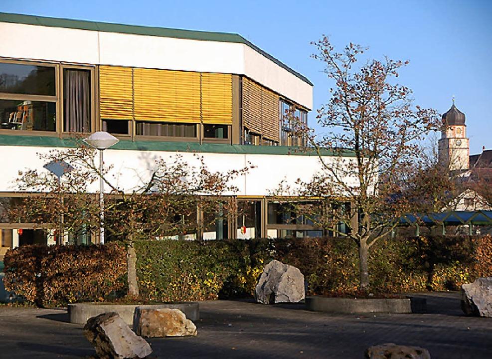 Bekommt ein dichtes Dach: die Jengerschule   | Foto: Andrea Gallien