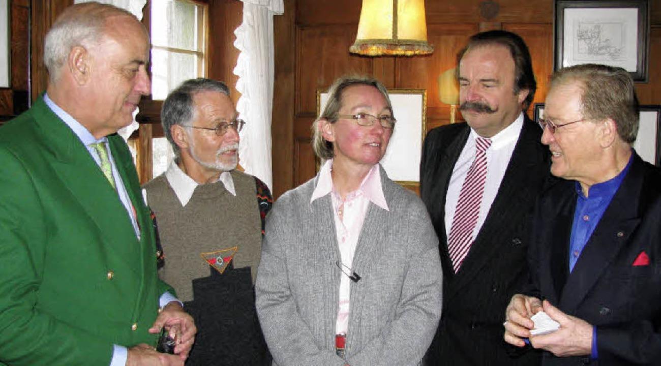 Dass Robert Hauser (2. von rechts) heu...ard Brender  zu verdanken (von links).    Foto: Manfred Lange