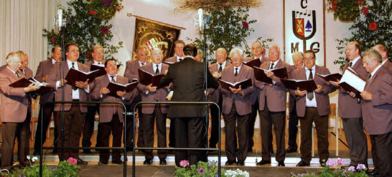 In der Malteserhalle in Gündlingen gab der  Männerchor Liederkranz ein Konzert.   | Foto: kai kricheldorff