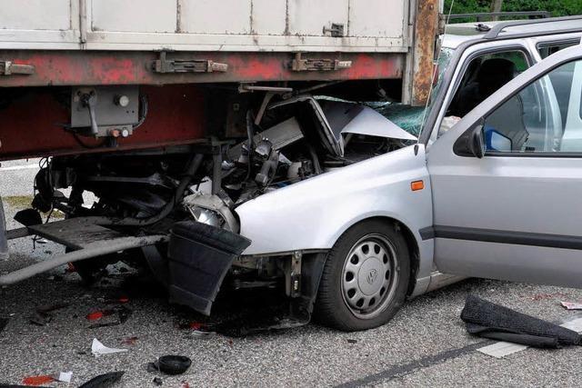 85-jähriger Autofahrer bei Unfall schwer verletzt