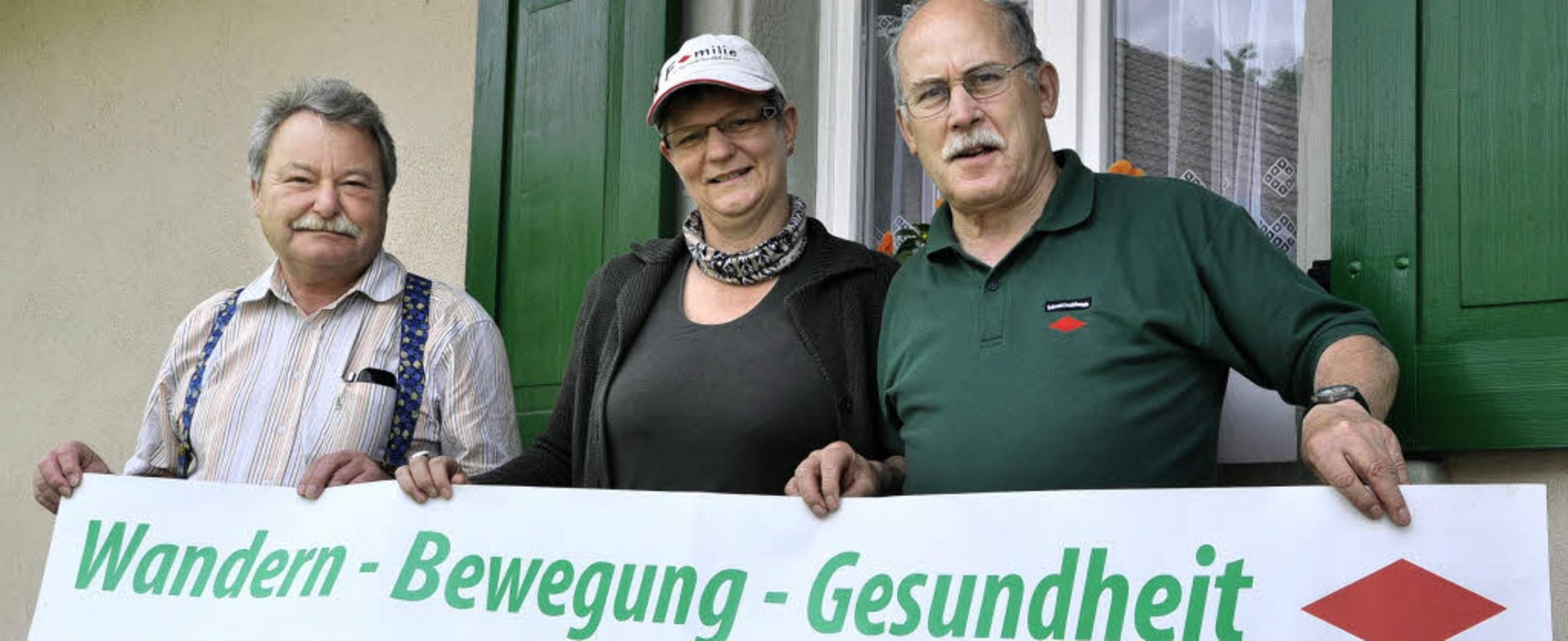Ines Zeller lässt sich zur Gesundheits... auf  Impulse für die Wanderangebote.   | Foto: Elisabeth Willers