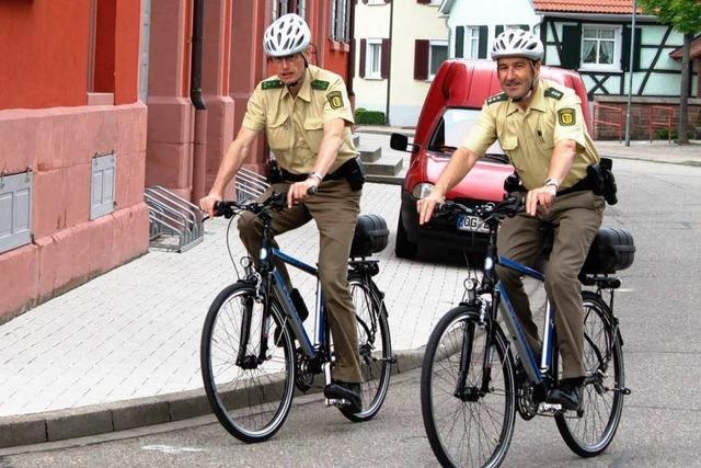 Ettenheimer Polizei geht mit dem Rad auf Streife