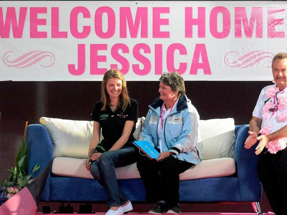 Überglückliche Gesichter: Jessica Wats...hrige Tochter wohlbehalten wieder hat.  | Foto: dpa