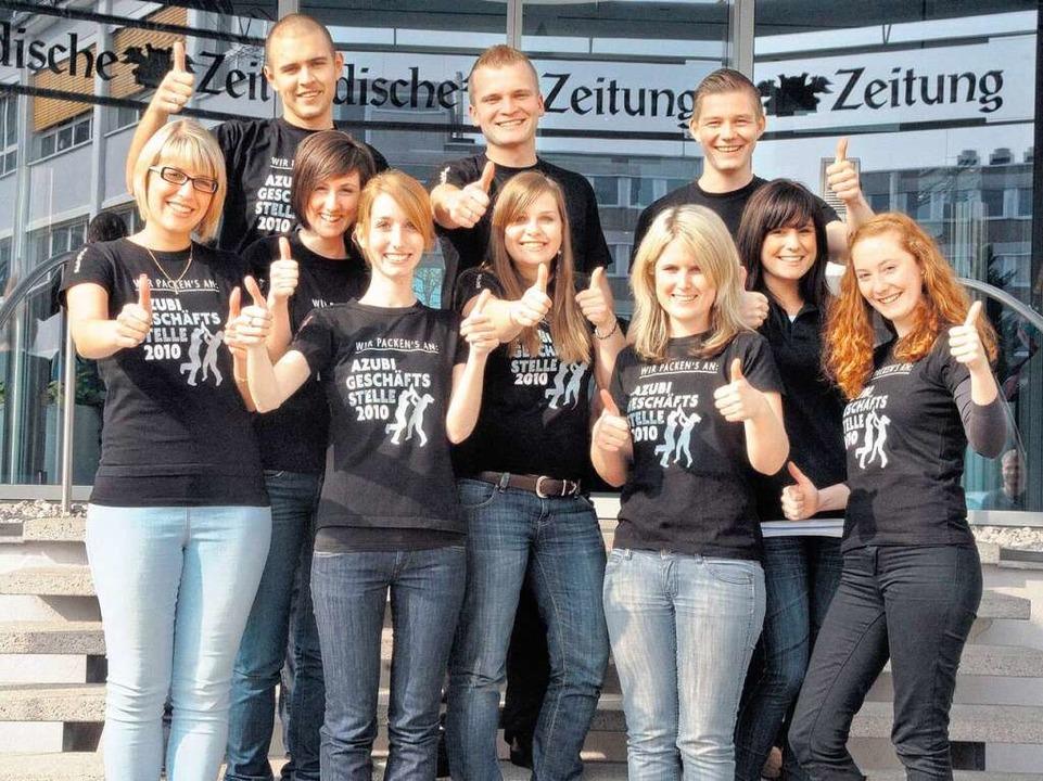 Sie schmeißen den Laden in Lörrach, ei... Auszubildenden des Badischen Verlags.  | Foto: bz