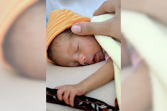 Wie können die Risiken der Geburt angemessen versichert werden?