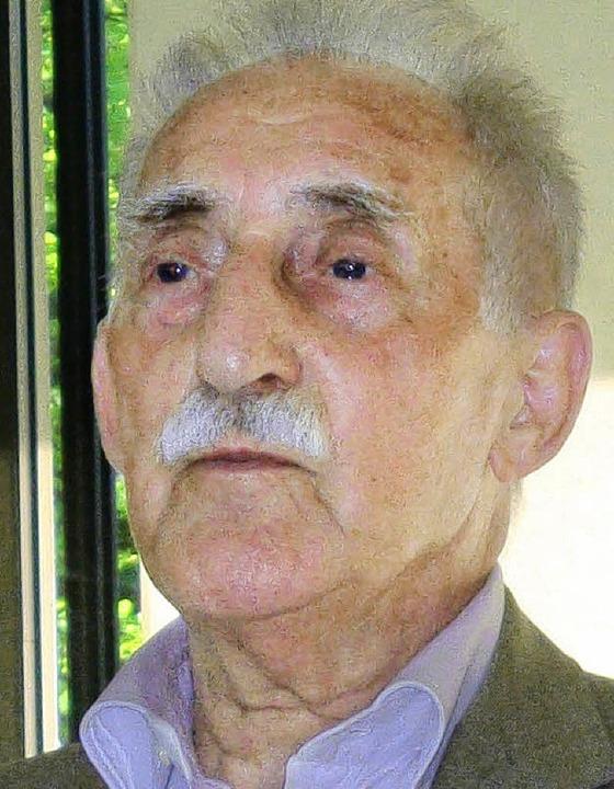 Der 85-jährige Leon Weintraub erzählte...ymnasiums seine Überlebensgeschichte.   | Foto: Erwin Meyer
