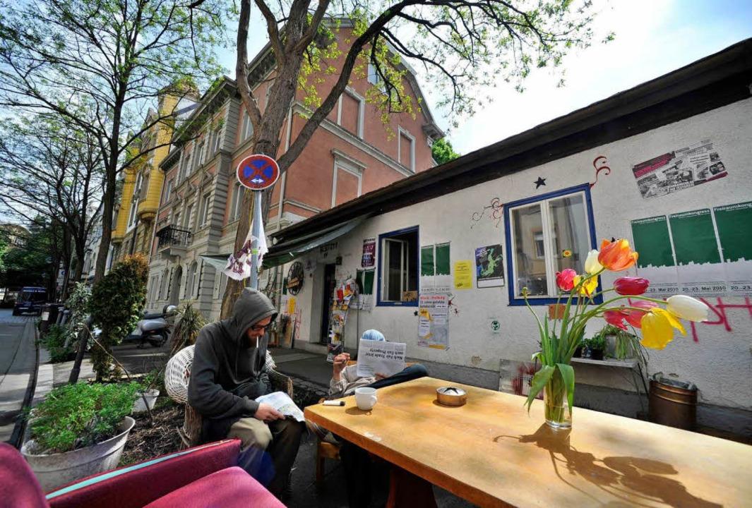 Mittlerweile haben es sich die Besetzer in der Gartenstraße gemütlich gemacht.  | Foto: Michael Bamberger
