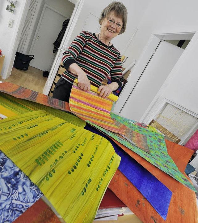 Christine Trautwein mit ihren Werken.   | Foto: Michael Bamberger