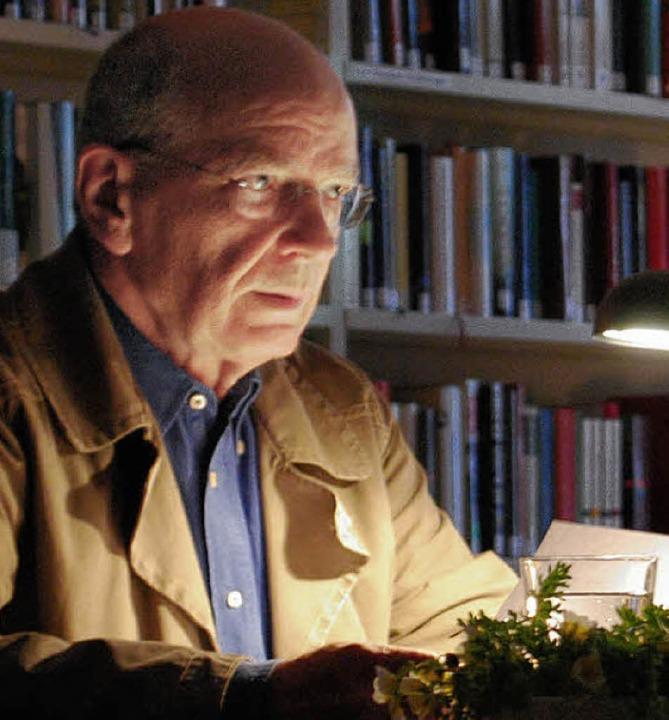 Dieter Bitterli (Foto) las, Harald Kimmig musizierte.  | Foto: Mink
