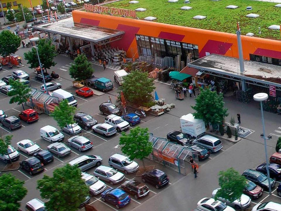 Schüsse sorgten am Donnerstagnachmitta... dem Hornbach-Parkplatz für Aufregung   | Foto: Norbert Sedlak