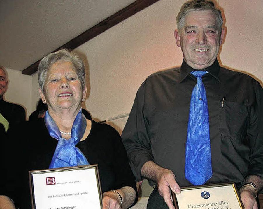 … geehrt wurden Christa Schillinger und Karl-Eugen Dörflinger.    Foto: Ingeobrg Grziwa