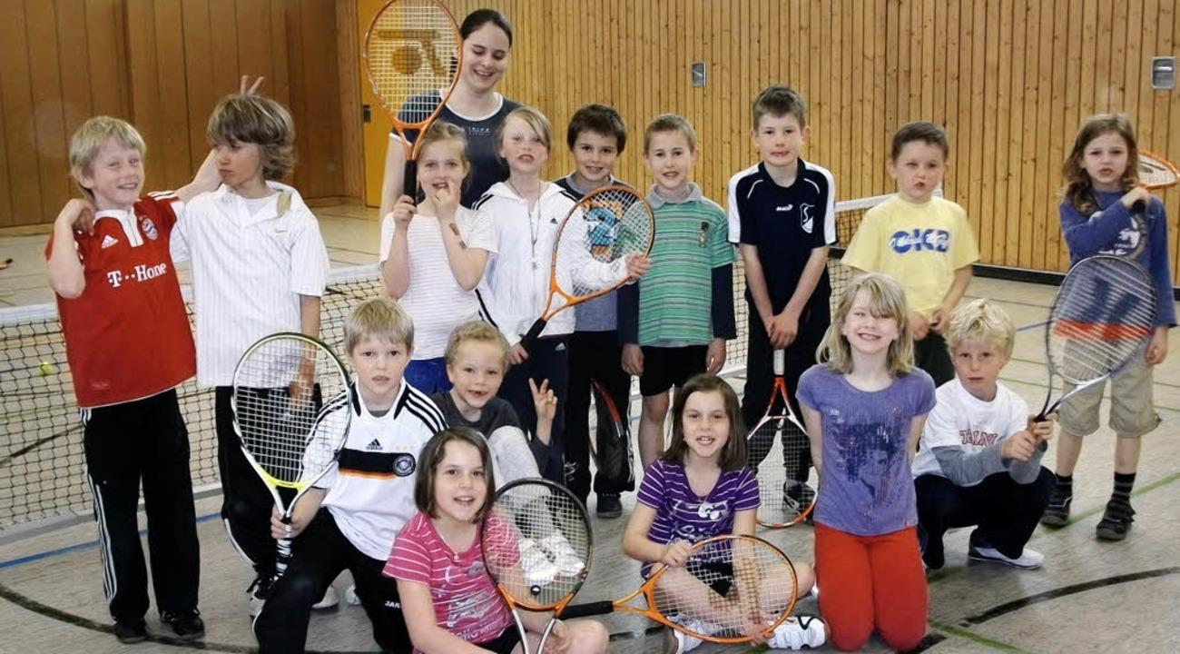 Tennis ist in der Grundschule Kirchzarten die beliebteste AG.    Foto: privat