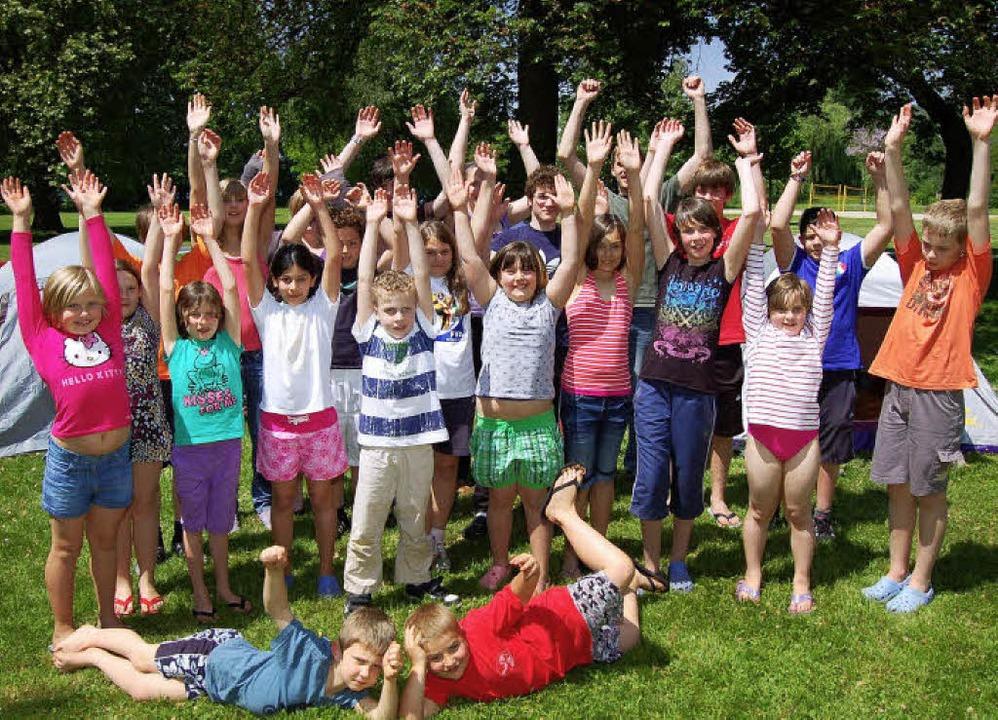 Die Kinder im DLRG-Pfingstzeltlager fr...amstag auf eine ereignisreiche Woche.     Foto: Heinz Vollmar