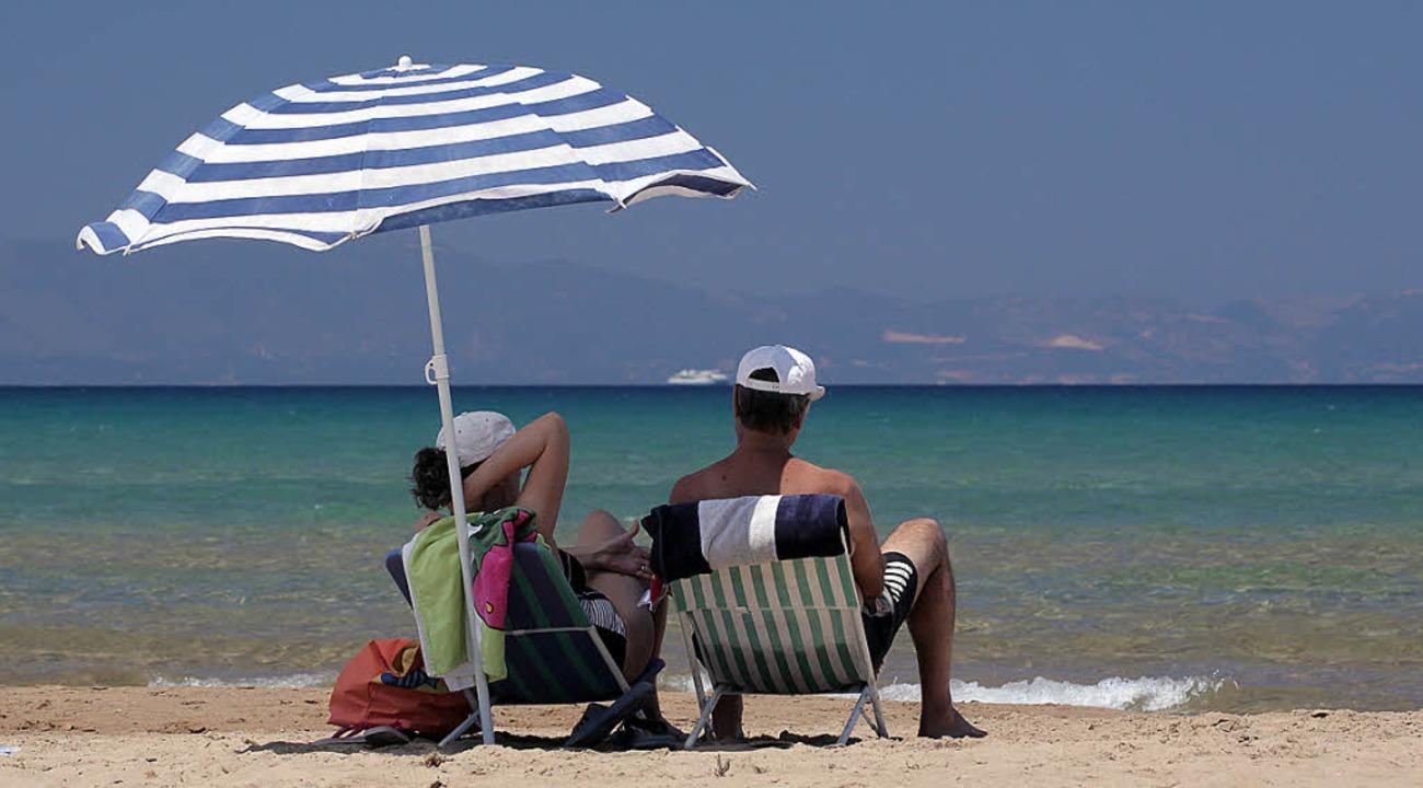 Am Strand bei Loutra Kilini im Westen der Halbinsel Peloponnes   | Foto: dpa