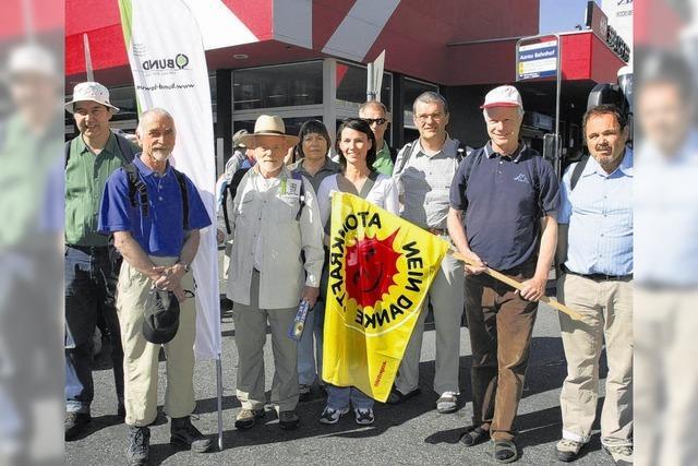 Friedlicher Protest gegen neue Atomkraftwerke