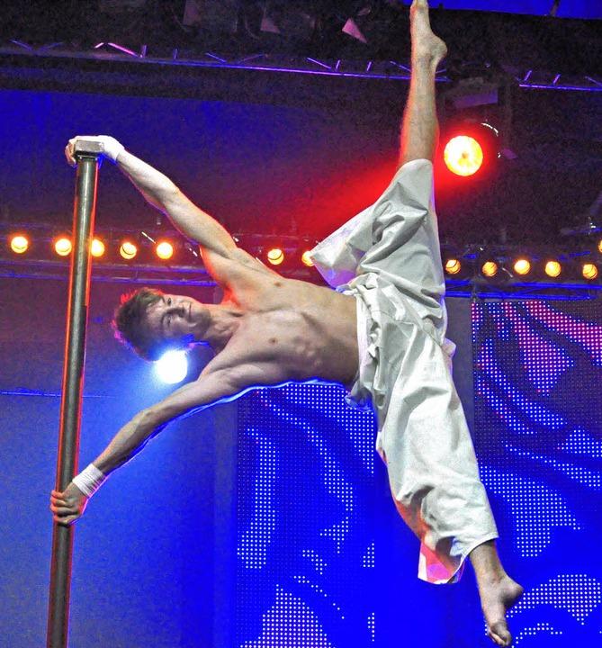 Danilo Marder aus Deutschland mit seiner Handbalance  | Foto: Barbara Ruda