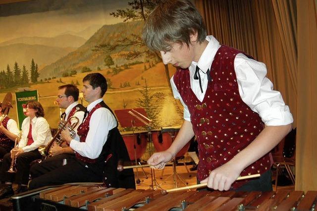 Dudelsack und Wunderkerzen: Stimmungsvolles Pfingstkonzert