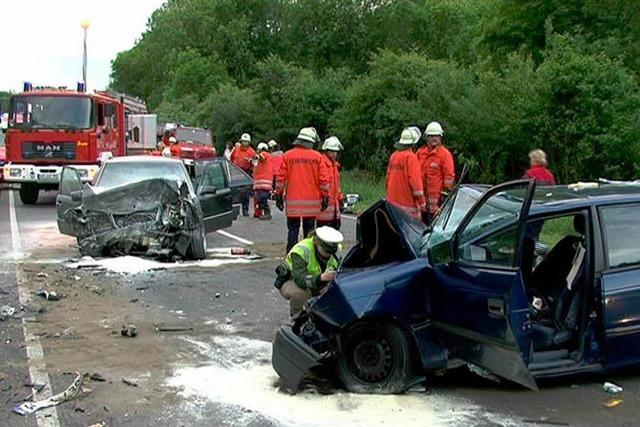 Unfall durch riskantes Überholen