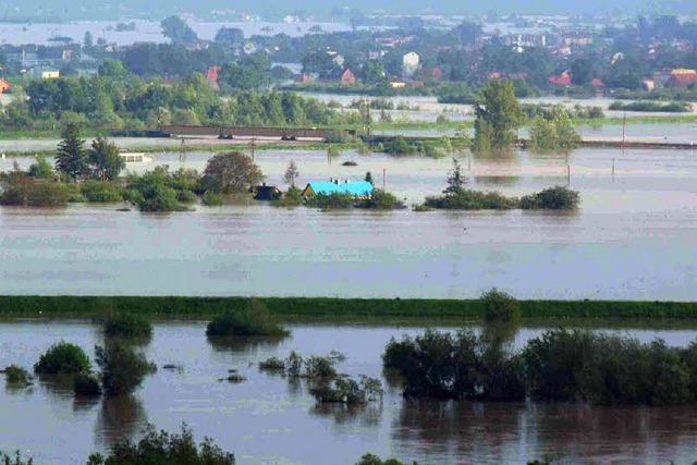 Die zweite Flutwelle bedroht die Stadt