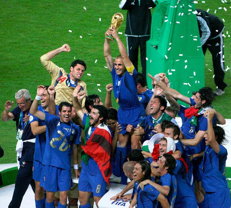 Jeder Sport hat seine eigene Sippe: It...ster-Titel und den begehrten Fifa-Cup.  | Foto: AFP