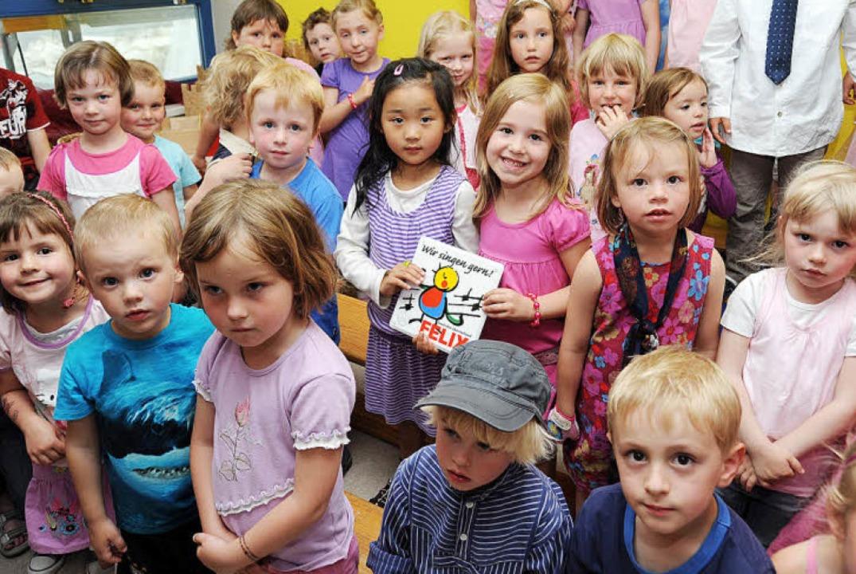 """Der Opfinger Kindergarten ist für sein...22;Felix"""" ausgezeichnet worden.     Foto: Rita Eggstein"""
