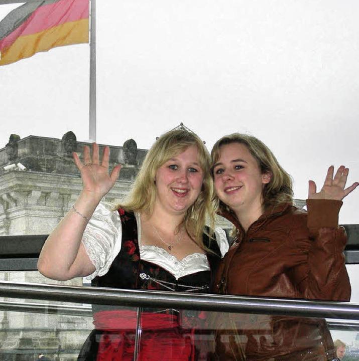Mehr als einmal in Berlin, hier mit de...zessin Sarah Kappeler (li.), Opfingen.  | Foto: Mario Schöneberg