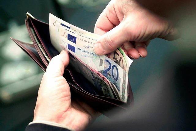 Zahlen Bankkunden zu hohe Zinsen?
