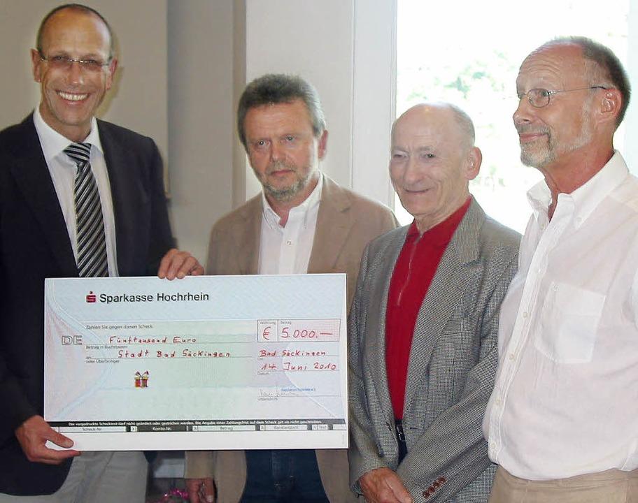 5000 Euro Spende Basis für eine Bürgerstiftung   Bad Säckingen   Badische Zeitung