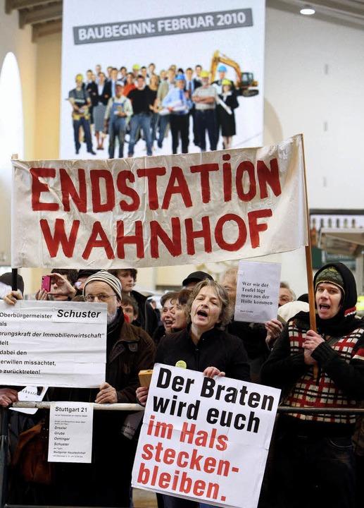Es begann laut, aber friedlich. Jetzt ist  von Wackersdorf die Rede      Foto: dpa