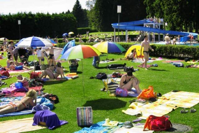 Feier mit Festakt und Waldbadparty
