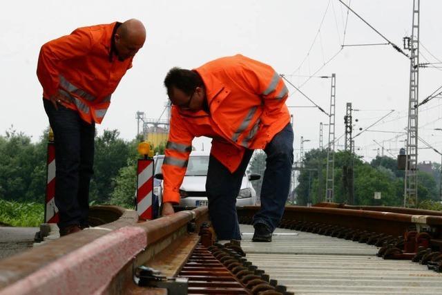 Bahn wechselt Weichen aus - Zugausfälle und Schienenersatzverkehr