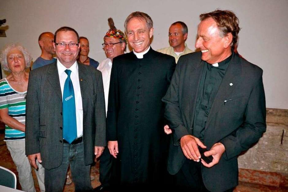 Oberzunftvogt Markus Weber, Georg Gänswein und Claudius Stoffel. (Foto: Joachim Röderer)