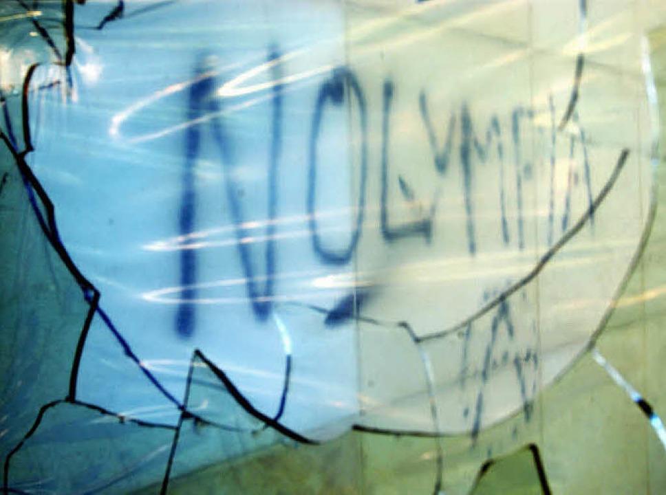 Die Gegner: abgetaucht nach Glasbruch  | Foto: dpa