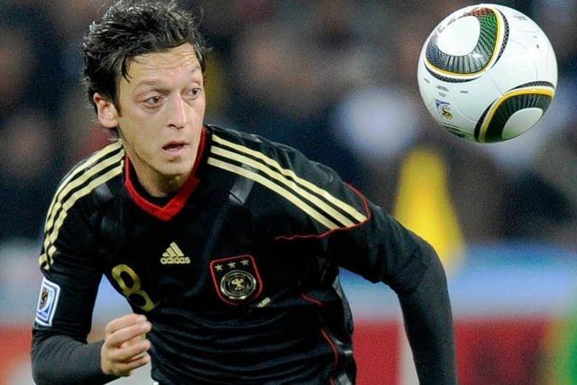 1:0 – Özil schießt Deutschland ins Achtelfinale